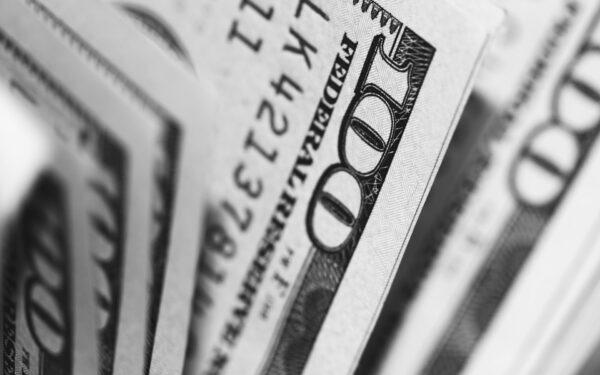 Небанківські установи можуть передавати повноваження на приймання готівки